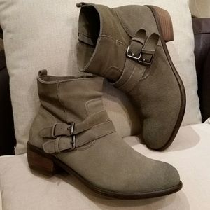 Wanted suede ankle boots